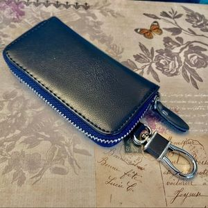 Faux Leather 8-Key Key Holder Pouch Navy Blue